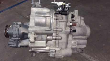 Volkswagen O2Q 6-speed 4x4 gearbox built and ready to go by our gearbox and repair specialists